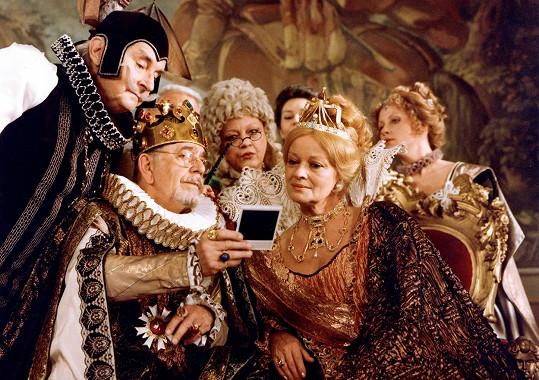 Sovák (vlevo) jako pan Vigo v seriálu Arabela