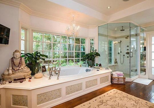 Jedna z romantických koupelen