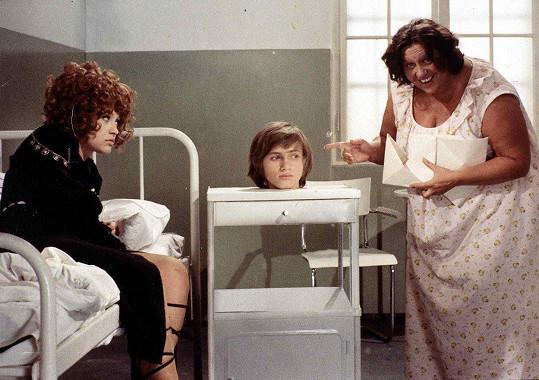 Dívka na koštěti (1971): Petra Černocká, Jan Hrušínský a Helena Růžičková