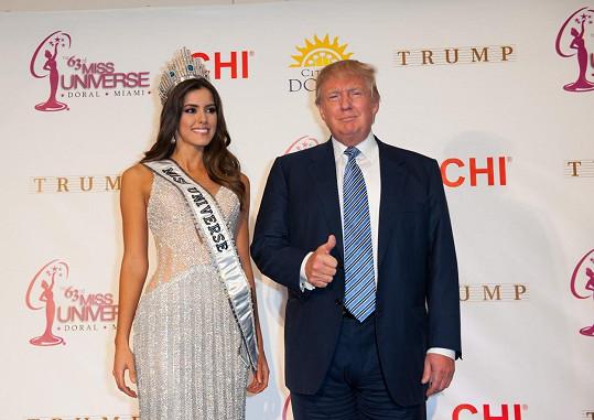 Donald Trump a Miss Universe Paulina Vega