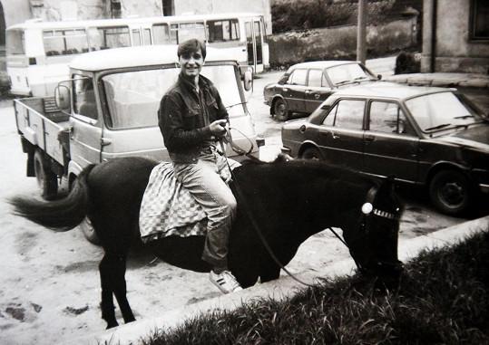 Rád jezdil i na koni.