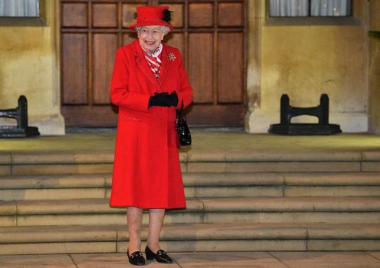 Královna Alžběta II. letos celou rodinu nepohostí.