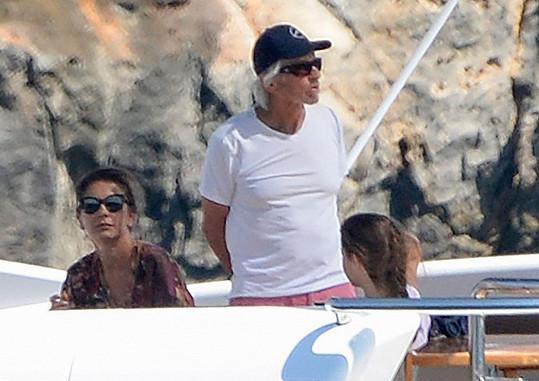 Michael, Catherine a Carys si užili dovolenou na jachtě ve Španělsku.