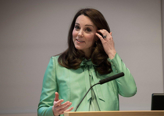 Vévodkyně vystoupila na konferenci.