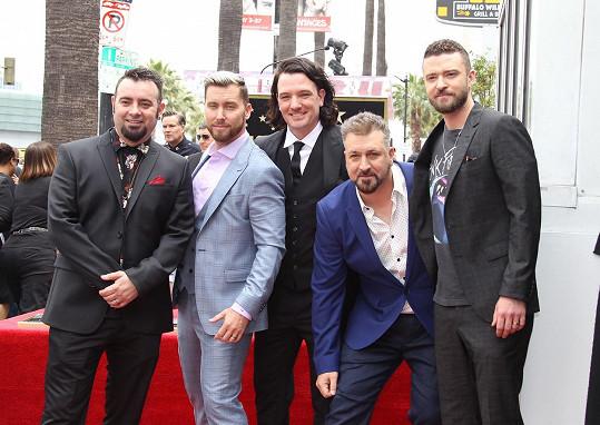 Skupina ´N Sync zprava: Justin Timberlake, Joey Fatone, JC Chasez, Lance Bass, Chris Kirkpatrick.