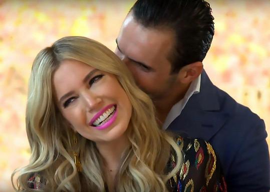 Sylvie s libanonským multimilionářem Charbelem Aouadem. Ti dva měli mít svatbu. Jenže on z toho zhruba před měsícem vycouval.