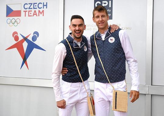 Tomáš Dvořák uvedl, že už měl na sobě horší věci a za takové oblečení by se rozhodně nestyděl.
