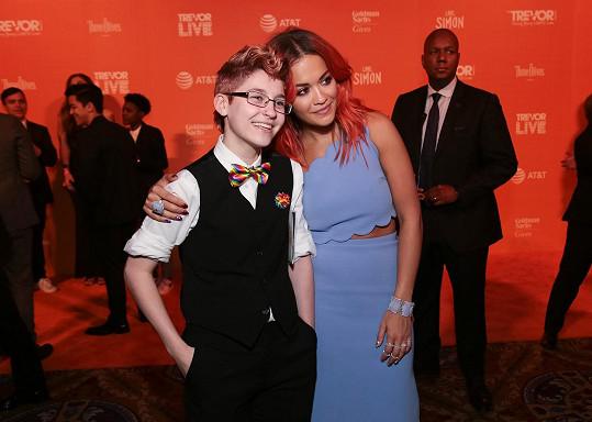 16letý Brendon se zpěvačkou Ritou Orou