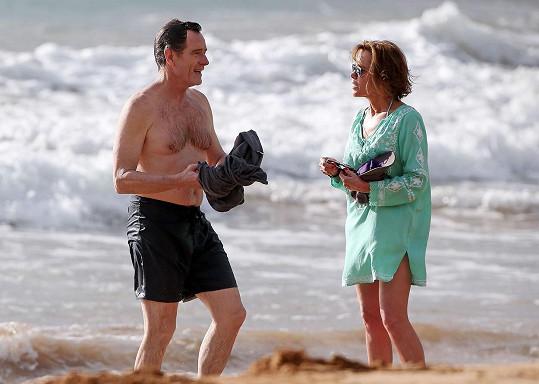 Známý herec vzal manželku na Havaj.