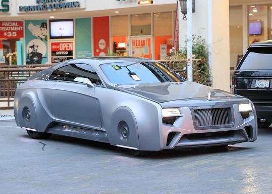 Takhle vypadá Justinův nový Rolls-Royce.