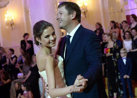 Alesya se svým otcem tenistou Jevgenijem Kafelnikovem na snímku z roku 2014.