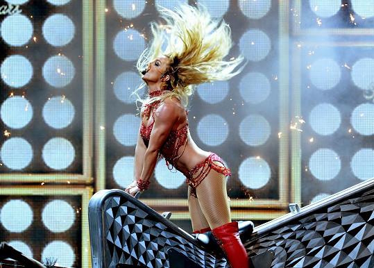 Britney Spears zahájila udílení Billboard Awards grandiózní show.