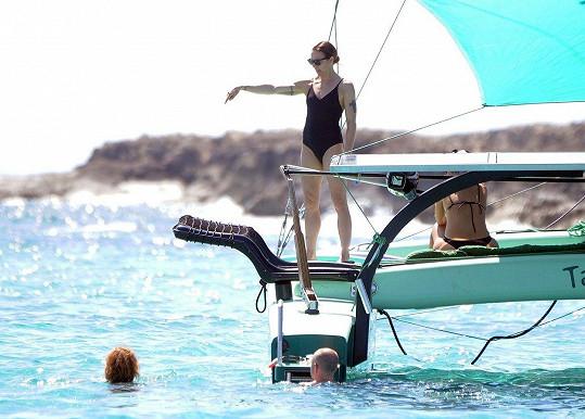 Mel C relaxuje na jachtě.