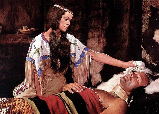 Marie Versini jako Nšo-či a Lex Barker