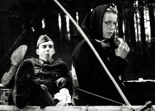 Osmnáctiletý Hanzlík si zahrál mladičkého německého vojáka.