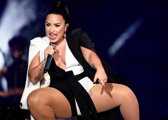 Demi Lovato si zahraje těhotnou postavu Jenny v oblíbeném seriálu.