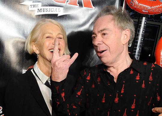 Webber herečku poučil, jak má vypadat rockerské gesto.