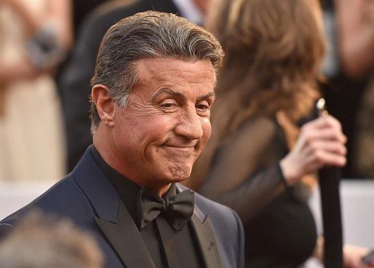 Sylvestera Stalloneho z ulice dostal film pro dospělé.
