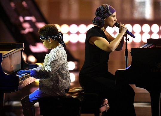 Alicia Keys vystoupila se svým starším synem.