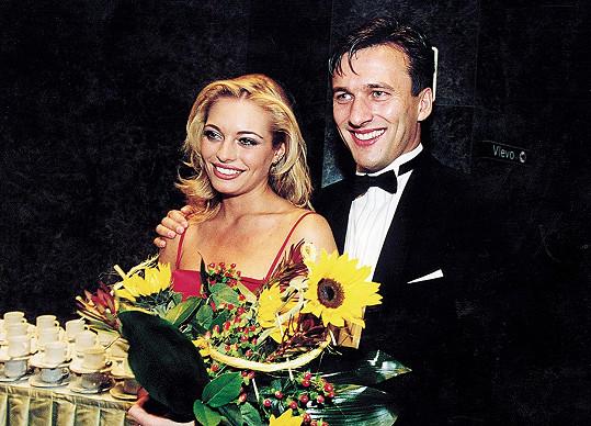 S tehdejším přítelem Alanem Babickým (2000).