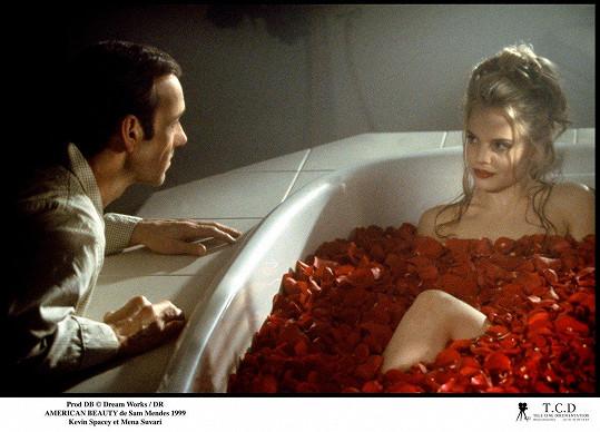 Suvari (s Kevinem Spaceym) jako Angela v Americké kráse (1999)