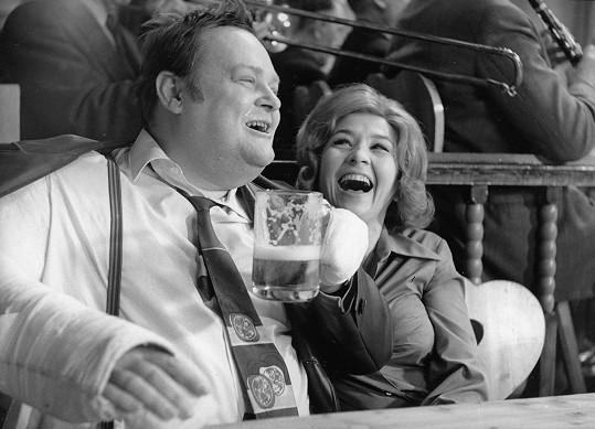 Jan Libíček a Karolina Slunečková. Herec si rád dopřával hodně jídla a pití.