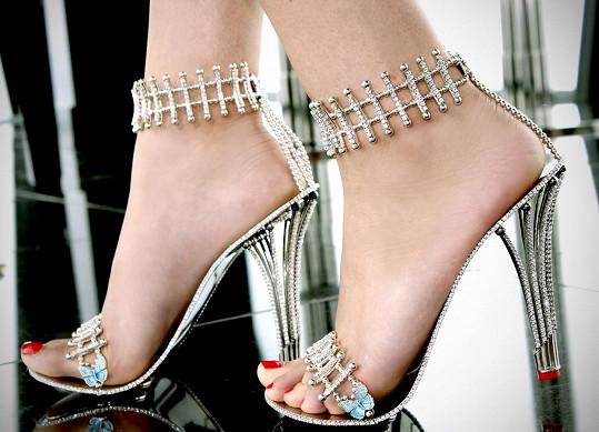 Nejdražší boty na světě jsou poseté diamanty...