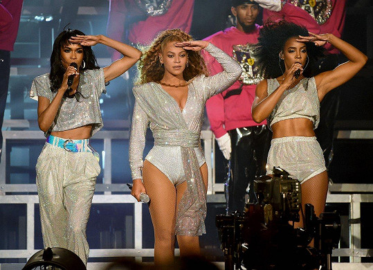 Beyoncé přizvala své bývalé kolegyně ze skupiny na své loňské vystoupení na festivalu Coachella.