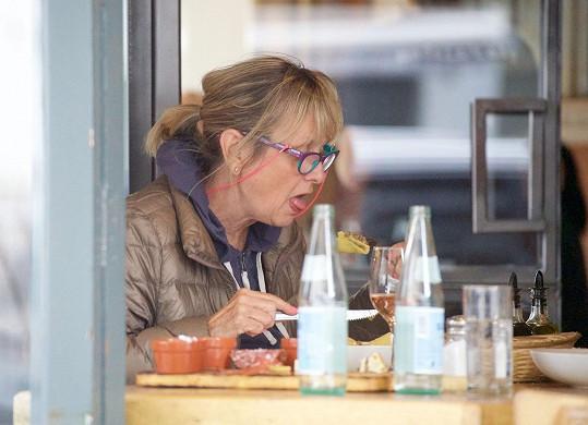 V restauraci si dala těstoviny.