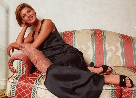 V 90. letech byla módní ikonou.