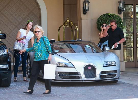 Rodinná oslava se konala v jednom z hotelů v Beverly Hills.
