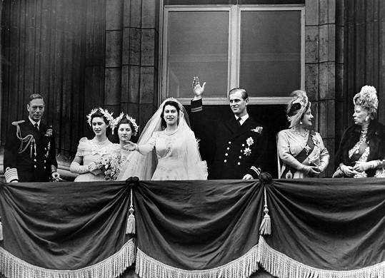 Po svatbě na balkóně Buckinghamského paláce 20. listopadu 1947