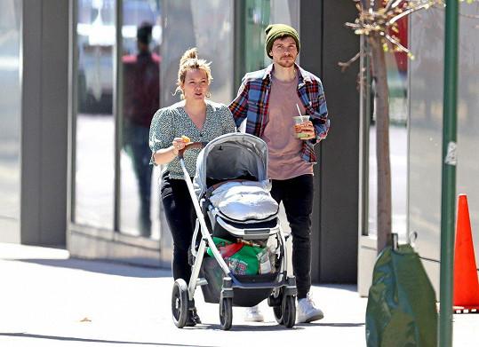 Mají spolu dcerku.