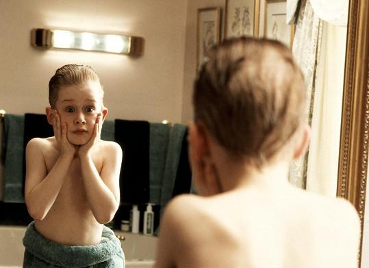 Macaulay Culkin jako legendární Kevin v Sám doma.