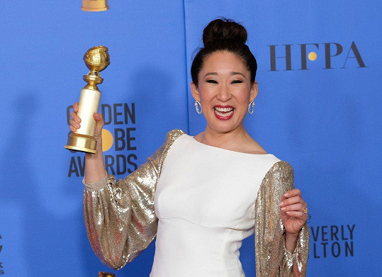 Sandra Oh se radovala ze Zlatého glóbu za roli v seriálu Na mušce.