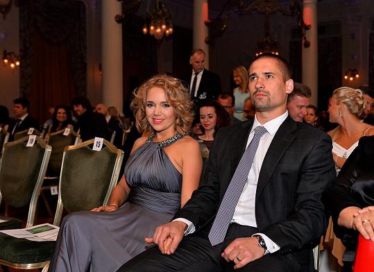 Lucie Vondráčková oceňuje na svém manželovi, že moc nemluví.