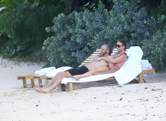 Stella McCartney a její manžel Alasdhair Willis se milují i po třinácti letech...