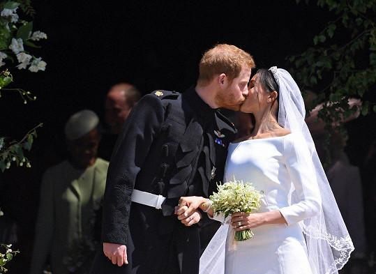 Princ Harry se oženil s Meghan Markle