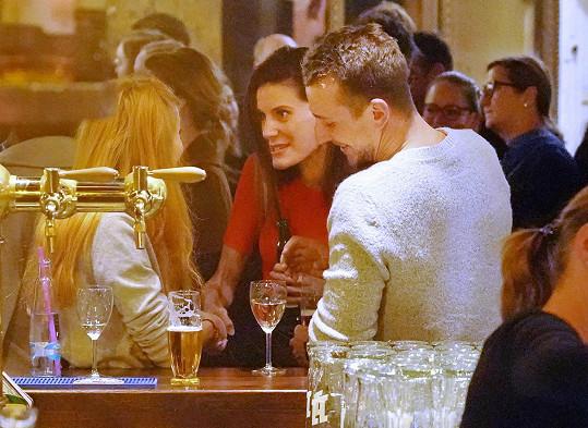 Jakub Štáfek seznámil přítelkyni i se svou ex Monikou Timkovou (uprostřed).