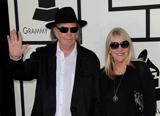 I kanadský zpěvák Neil Young přišel o své sídlo.