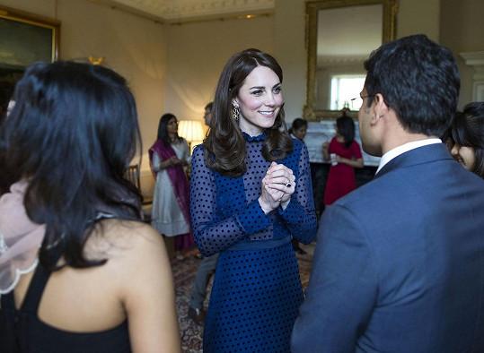 William s Kate pozvali do Kensingtonského paláce mladé lidi z těchto dvou zemí, kteří žijí a studují v Anglii.