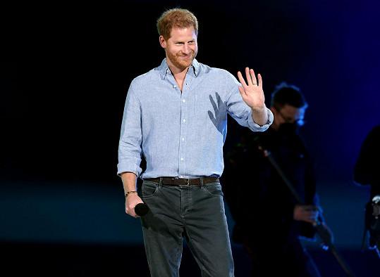 Princ Harry promluvil na charitativním koncertu Vax Live.