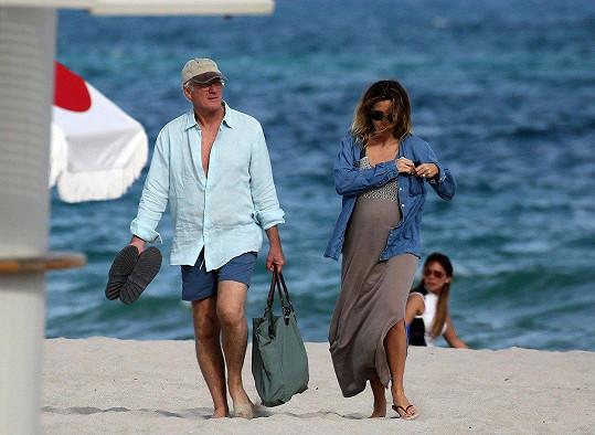 Manželé loni v prosinci, kdy už byla Silva v pokročilém stupni těhotenství.