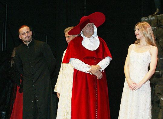 Pepa (vlevo) v muzikálu Galileo před 15 lety.