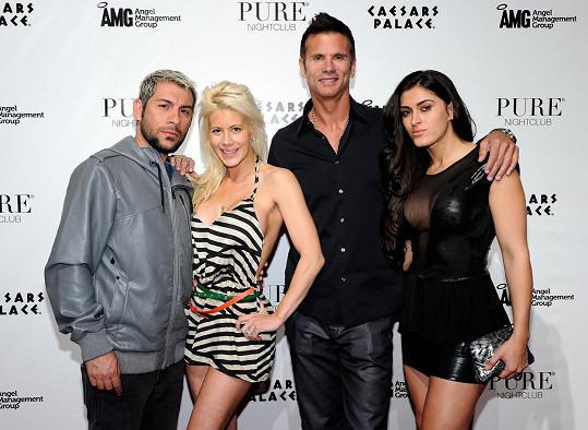 Lamas s manželkou Shawnou (vpravo), dcerou Shayne a jejím mužem Nikem Richiem