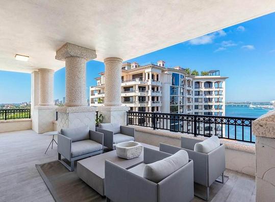 Caroline Wozniacki a její muž David Lee prodávají kondominium na Miami.