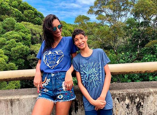 Lais Ribeiro to teď se synem Alexandrem nemá jednoduché.