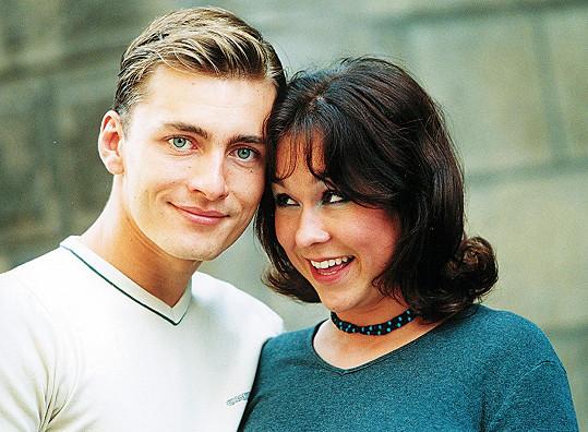 V roce 2000 prožívala velkou lásku s muzikantem Petrem Vondráčkem.