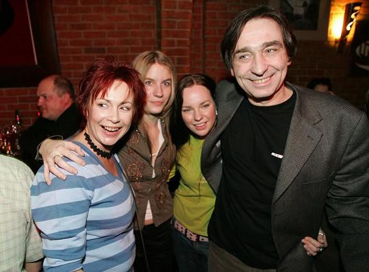 Herečka se svou seriálovou rodinou