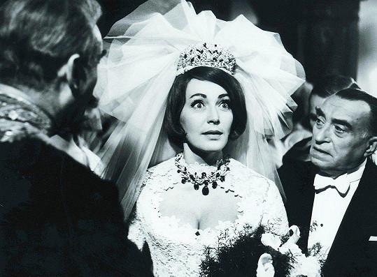 Fialová ve snímku Fantom Morrisvillu (1966)